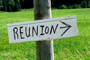 reunion-sign